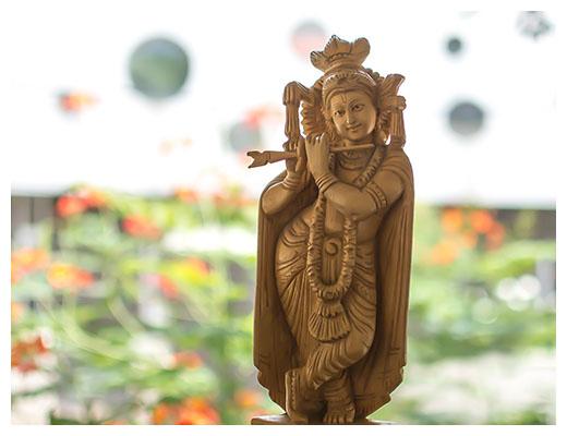 gopika-yoga-in-schwäbisch-hall-über-mich-statue